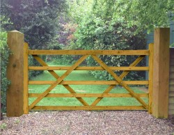 Field Entrance Timber Diamond Braced Gate 6ft