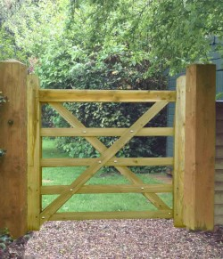 Field Entrance Timber Diamond Braced Gate 4ft