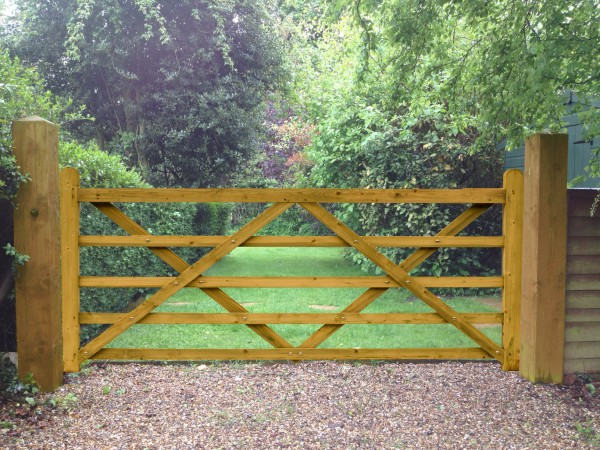 Field Entrance Timber Diamond Braced Gate
