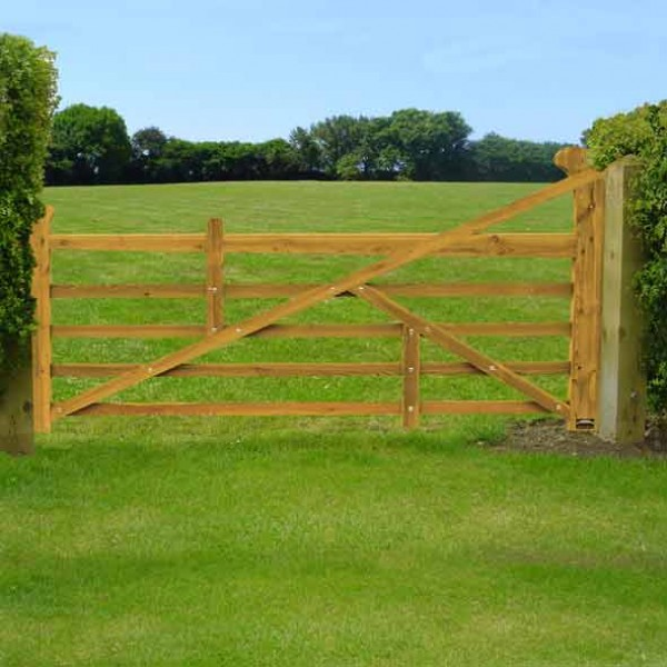 3.6 mtr  (12ft) raised helve field gate in softwood timber